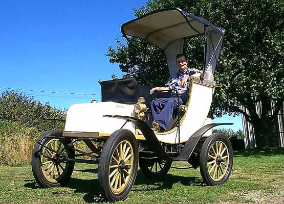 1902 Columbia Electric automobile